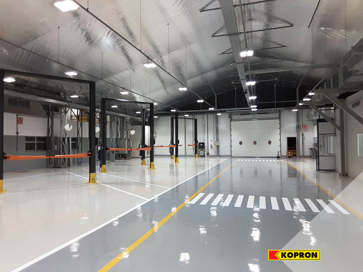 Kopron-industrial-steel-building-for-vehicle-maintenance-Mercedes