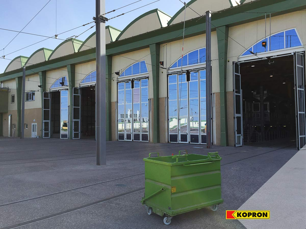 Kopron-glass-folding-doors-external-view-of-the-railway-in-Sidi-bel-Abbes