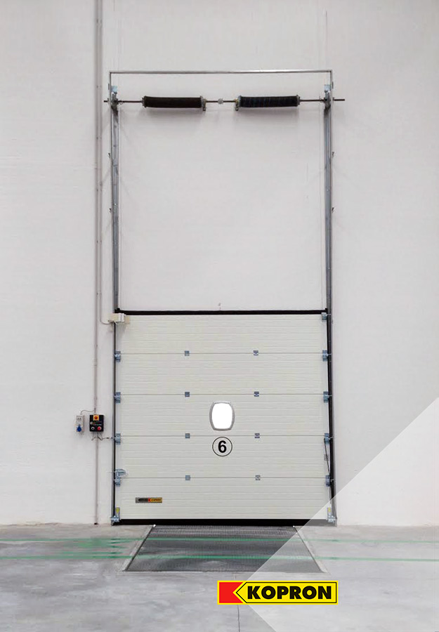 Sectional-doors-with-vertical-opening-for-Festa-Logistics